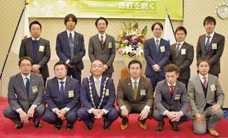 あしがらJCのメンバー。石田理事長は前列左から3人目