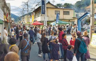 昨年のさんま大祭(横浜銀行前)