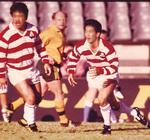 第1回ラグビー・ワールドカップでプレーする生田さん(右)対戦相手はオーストラリア代表=写真提供:株式会社ミクニ