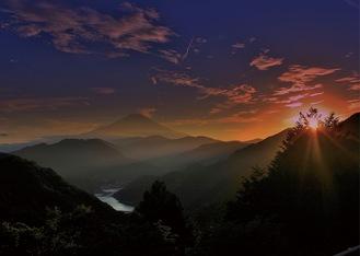 最高賞の推薦に輝いた齋藤敏雄さんの「丹沢湖の夕暮」