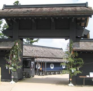 七夕飾りが設置される京口御門(写真は過去のもの)