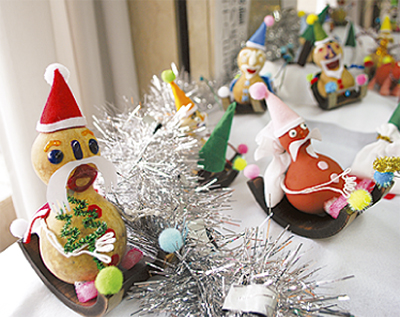 手作りクリスマス作品展示