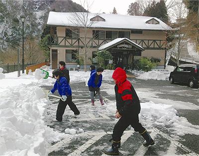 50センチの雪ズシリ