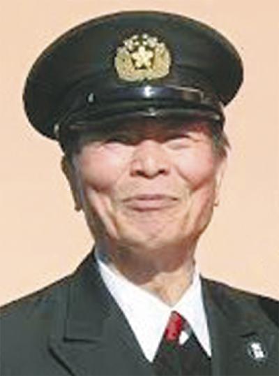 石井さんに県表彰