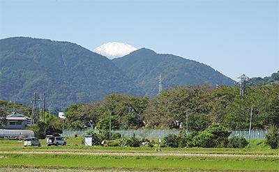 富士山が初冠雪各地で雪化粧姿