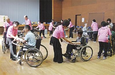 車椅子でダンス