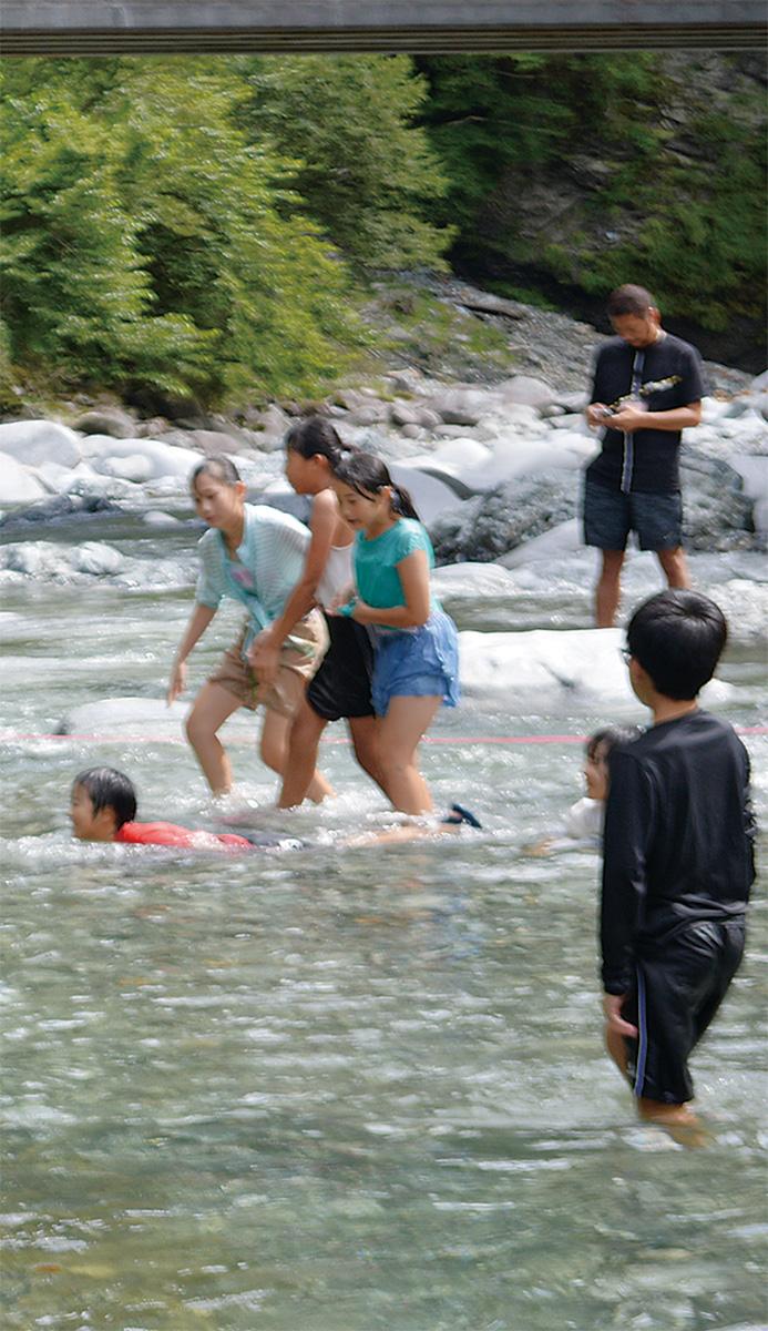 福島の小学生が三保の自然満喫