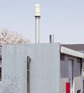 煙突のようなものがモニタリングポスト(写真は茅ヶ崎、県衛生研究所のもの)