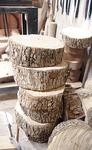 乾燥のため積まれた木材