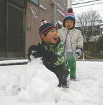 久々の雪遊び(真鶴おおみち通り・8日)