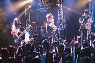 昨年の小田原イズムではバンド「ソライアオ」のボーカルで出演