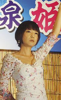 昭和歌謡を熱唱