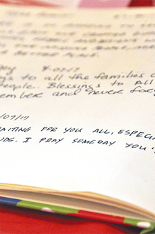 「いつか家族のもとへ帰れますように」外国人のメッセージ