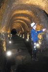 地下壕内の様子高さ、幅も3mほど