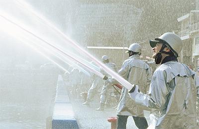 水の剣で守る