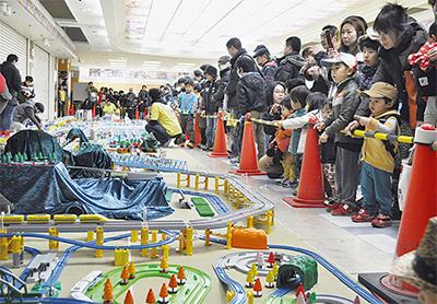 プラスチック模型で小田原全景を再現