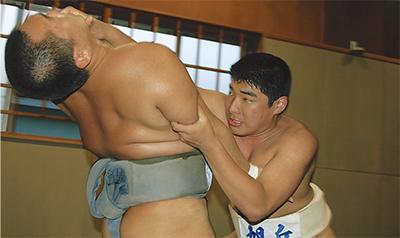 26日「相撲の甲子園」へ
