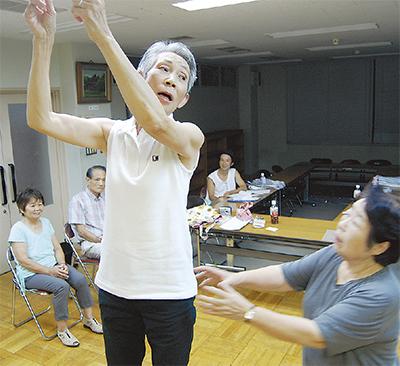 平均年齢72歳の熱演