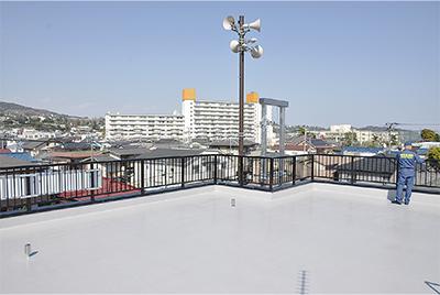 初の津波避難タワー