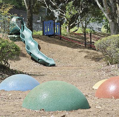 泉公園遊具まだ増える