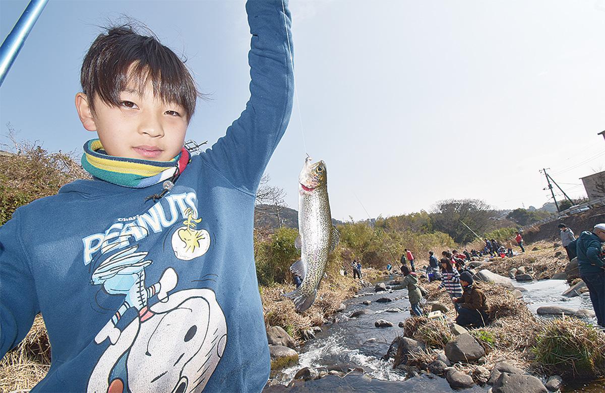 新崎川で腕くらべ