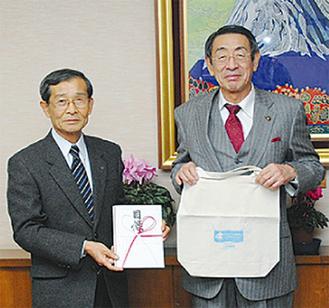 佐野代表取締役(左)