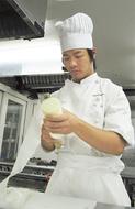 1年間の成果を披露  崎村調理師専門学校