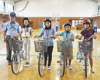 左から諸星さん、渡邉さん、横尾さん、高橋君、松村さん