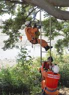 合同で初の水難救助訓練