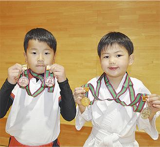 大会で入賞した北村君(左)と理崎君(右)