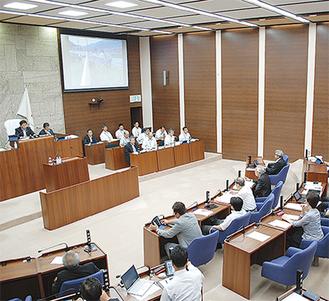 改革を行っている秦野市議会
