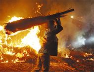 炎で迎える秦野の盆