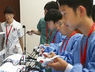 医療器具使い外科医体験