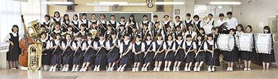 西中学校吹奏楽部のメンバー