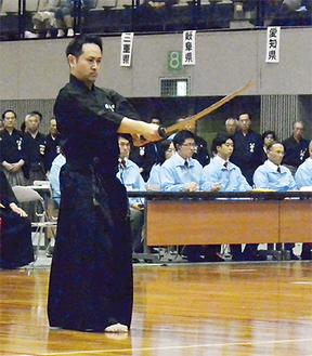 演武する原田さん(写真提供/全日本剣道連盟)