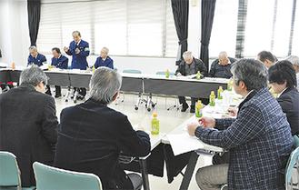 板倉町の視察団に活動を説明