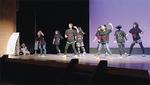 特技発表会でダンスを披露する子どもたち