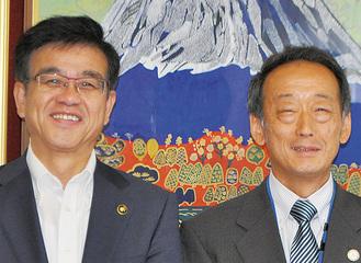ウルグアイに赴任する下村さん(右)