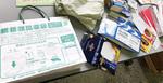 紙箱類分別のPR用紙袋(左)