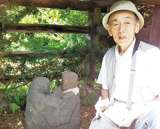 長野県茅野市で念願の丸彫り双体対坐道祖神に出会った武さん