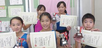 各競技の優勝者(前列左から佐藤選手、長谷部選手、山内選手、後列左から小関選手、見城選手