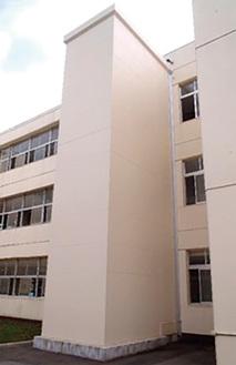 中学校に設置する給食コンテナ用エレベータのイメージ(市提供)