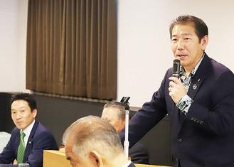 講演する佐藤市長(右)と神倉県議(左)