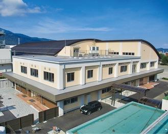 完成した西中学校体育館・西公民館