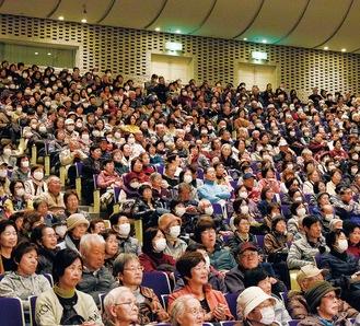 例年ホールはいっぱいになるほどの人気