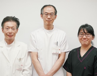 小児科常勤医師の山田部長(中央)と小池医師(左)、兵頭医師(右)。3人で様々な症状に対応していく