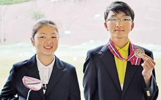 兄・琉煌さん(右)と妹・萌来美さん