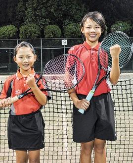 県予選で準優勝を決めた山岡さん(右)と関野さん(左)