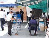 中栄信金店頭で献血