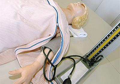 病院職員が寝巻をデザイン
